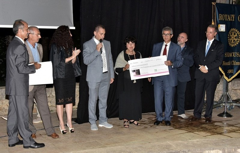 "Delivered the proceeds of the project ""Agire in Rosa"""